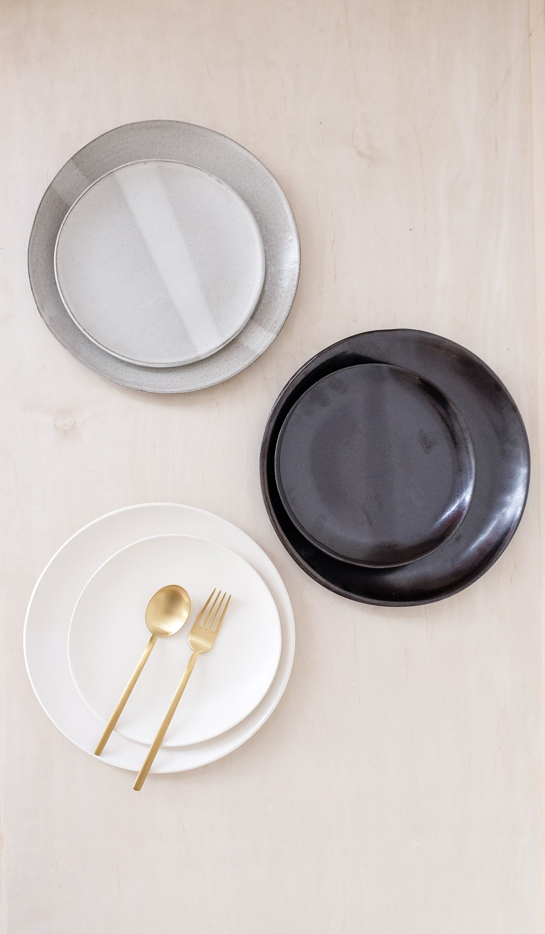 Eric Bonnin Sylvia Ceramic Plates Set Of 4 In 2020 Plates Ceramic Plates Modern Plates
