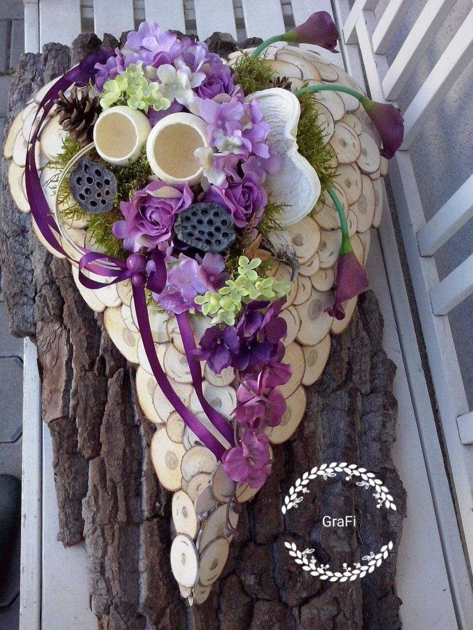 Florystyka Funeralna Dekoracja Na Grob 1 Listopada Kompozycja Nagrobna Stroik Na Grob Floral Wreath Floral Art Funeral Flowers