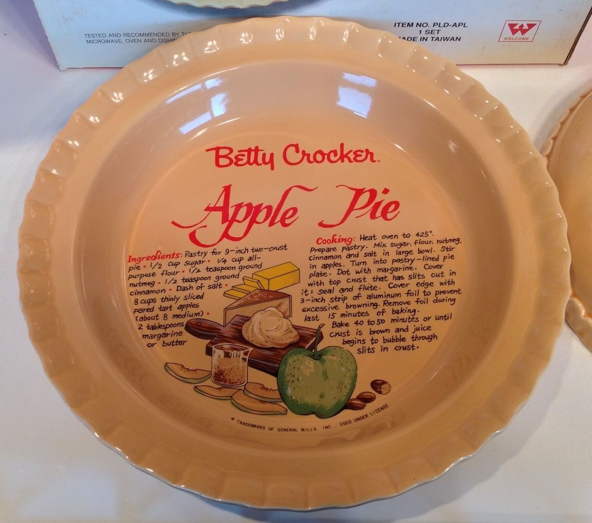 Vintage Betty Crocker Green Red Apple Ceramic Pie Plate Lid with Recipe | eBay & Vintage betty crocker green/red apple ceramic pie plate \u0026 lid with ...