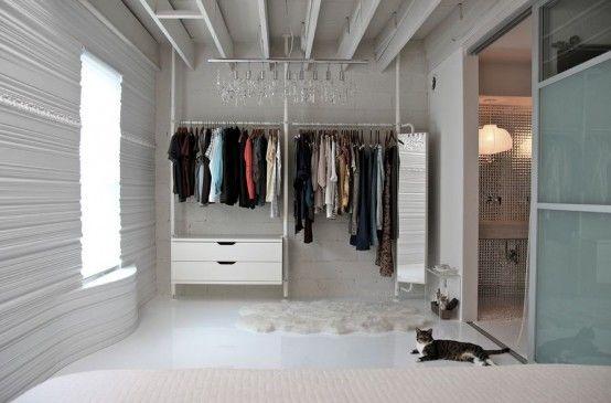 Slaapkamer Met Kledingkast : Inspiratieboost: slimme kledingkasten voor een kleine slaapkamer
