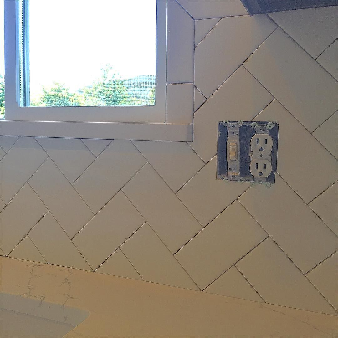 Hairing Bone Backsplash