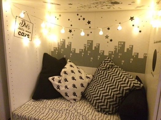 """The Cutest """"Little Man Cave"""" With Skyline, Astrounaut"""