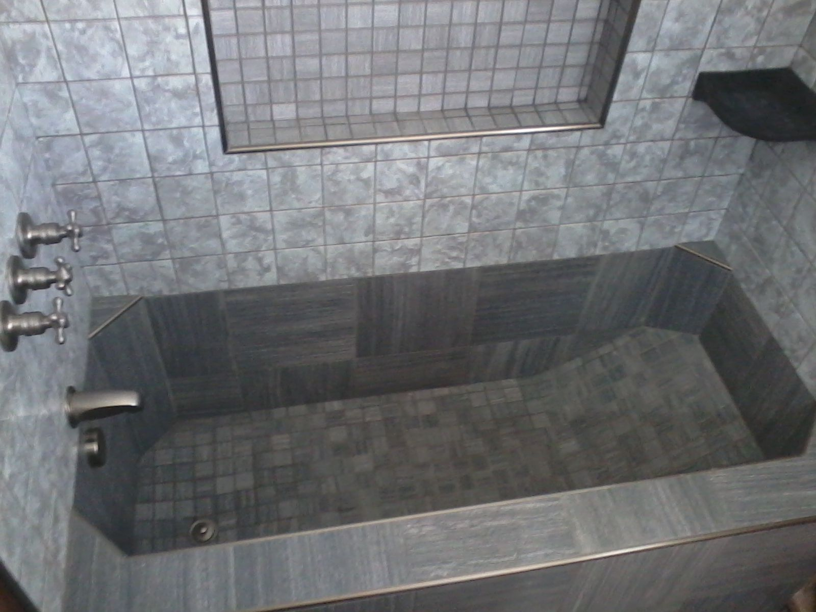 tile tub | check this out this is a roman style tub in a virginia ...