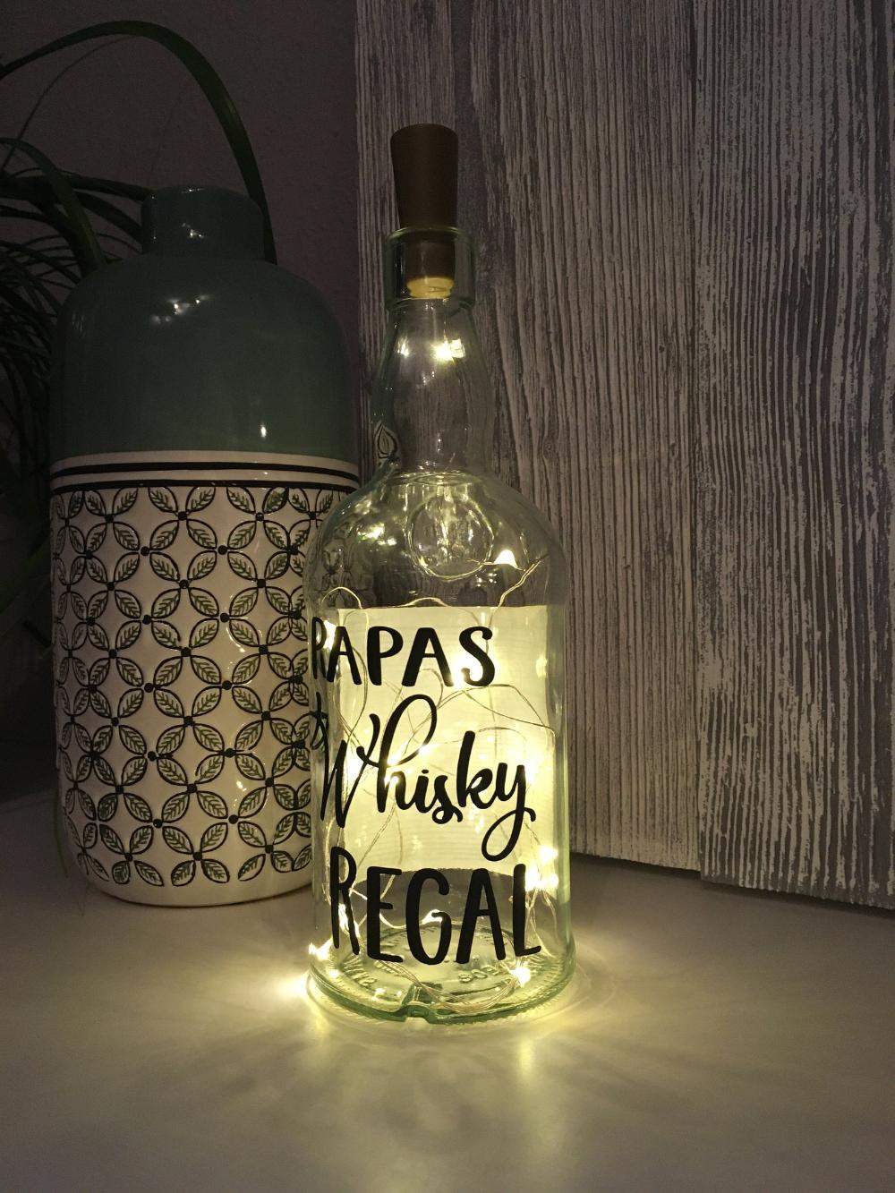 Whiskyflasche Mit Beleuchtung Papas Whisky Regal Led Leuchte Leuchtflasche Bottlelight Lichterkette Geschenk Flaschenlicht Vodka Bottle Vodka Bottle