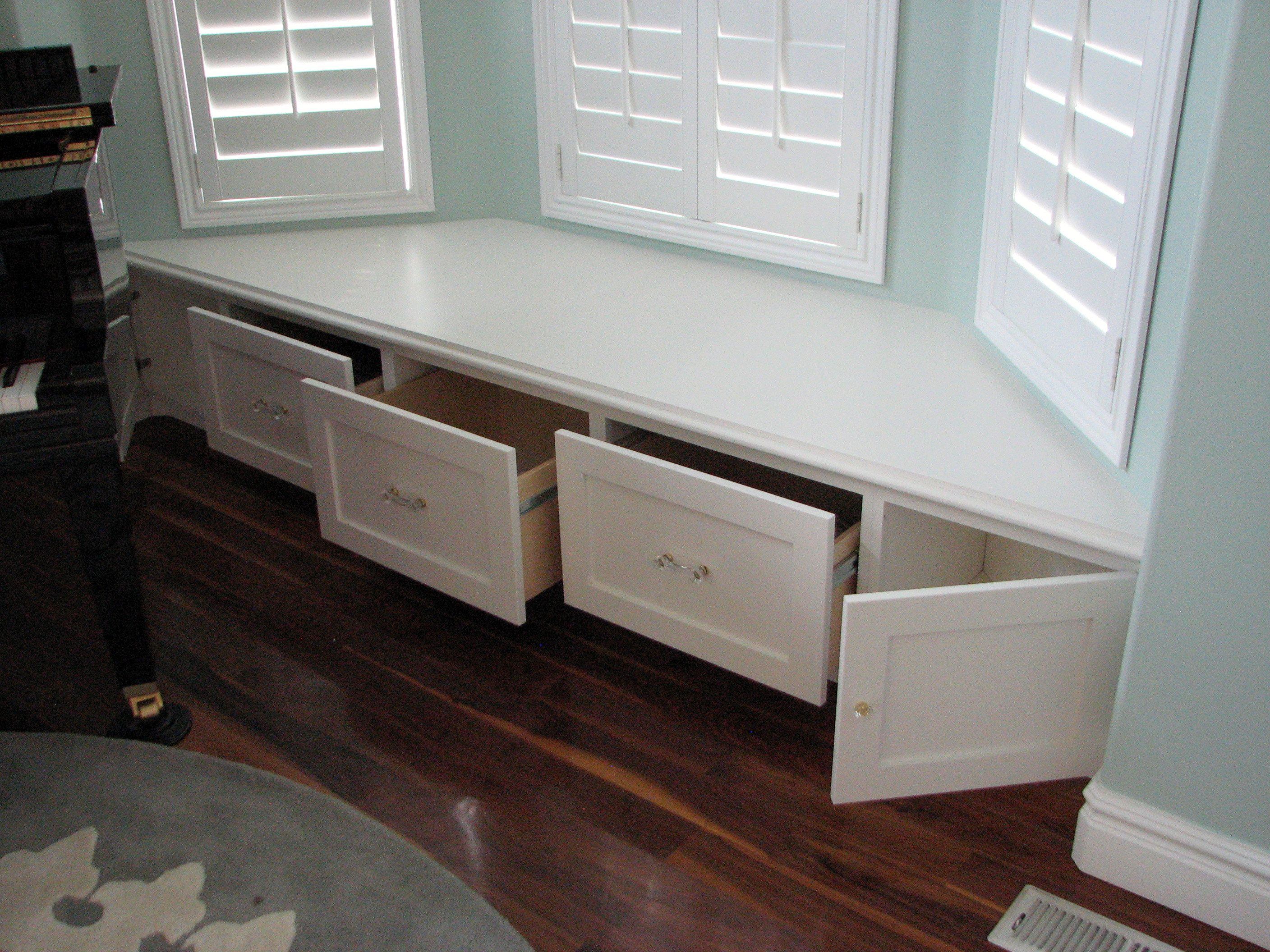 Window seat storage camps pinterest - Built In Bay Window Seat Storage Turned Into Drawers For Easier Accessibility I Would Love To Turn The Trunks Into Drawers Like This