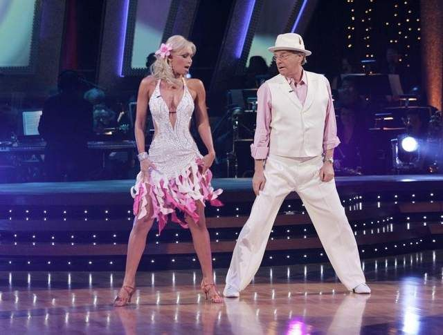 Jerry Springer performed in�Dancing With The Stars alongside�dance partner, Kym Johnson