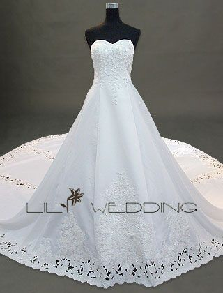 i want this as my future wedding dress!!