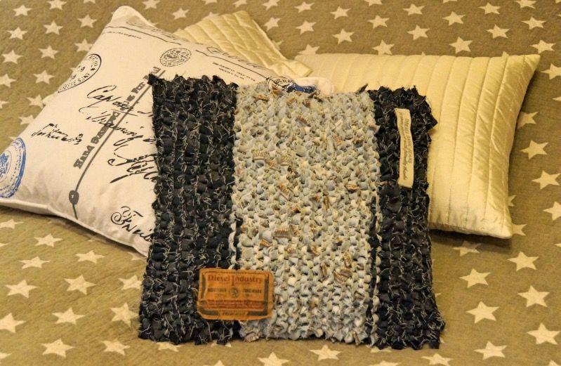 Sammalta ja samppanjaa: Kahdet vanhat farkut, yksi uusi tyyny - Old jeans,...