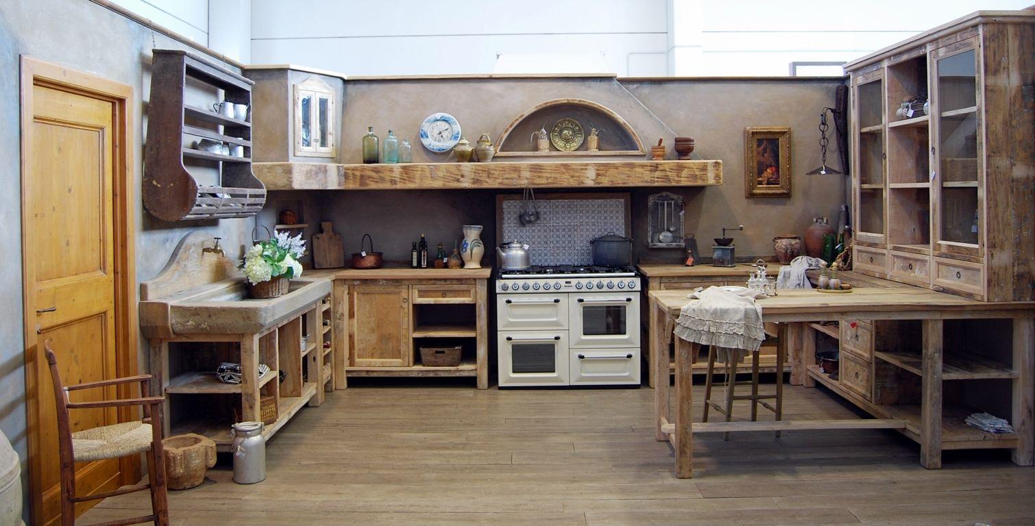 La Cucina Country è una cucina rustica, essenziale e spartana.La ...