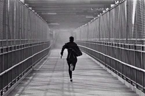 Come correre dietro ai sogni?  #corsa #running #sogni #ambizione #feedback #obiettivi #resistenza #forza #velocità  continua -> http://storiedicoaching.com/2015/08/24/come-correre-dietro-ai-sogni/