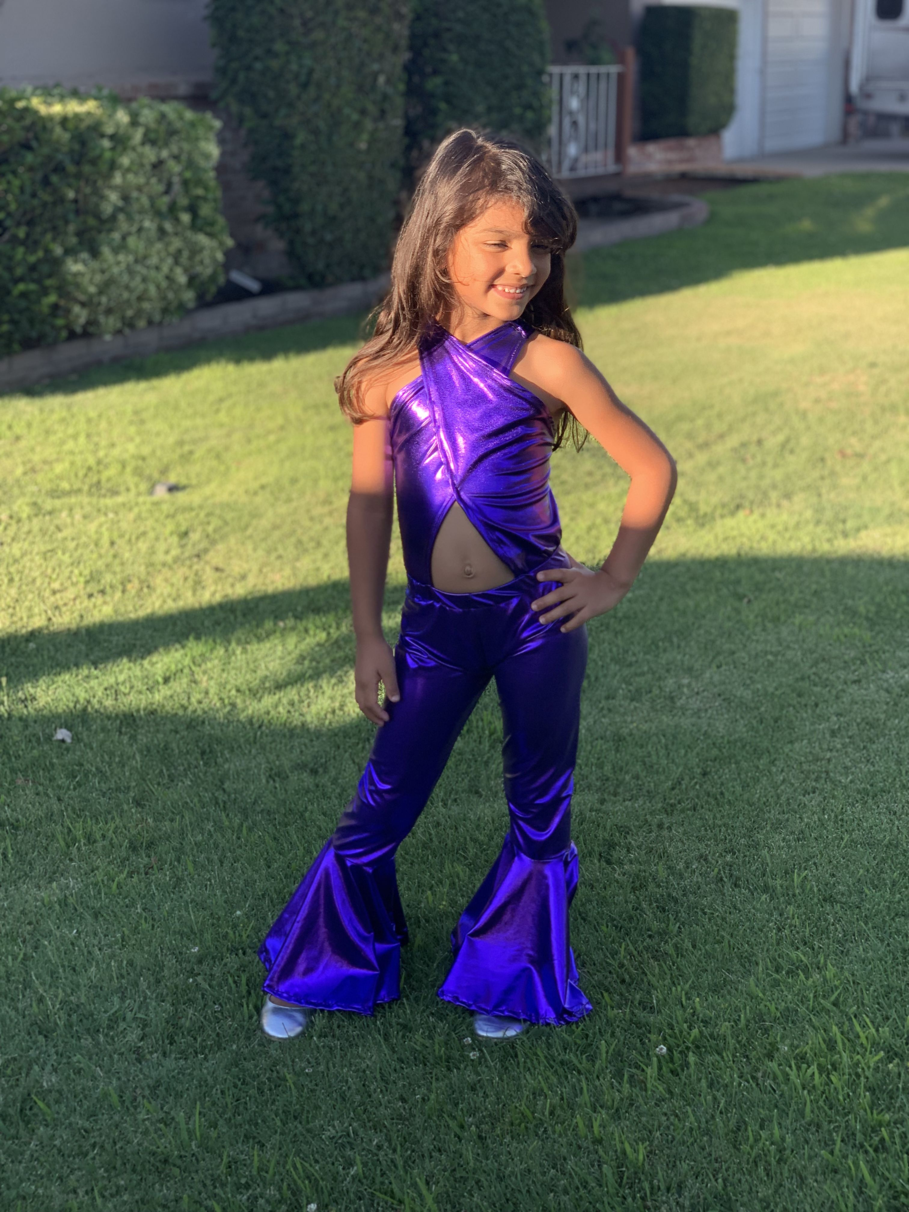 This beautiful attire that would make Selena proud