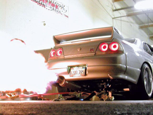R33 GTR Backfire. Nissan Skyline R33Car ...