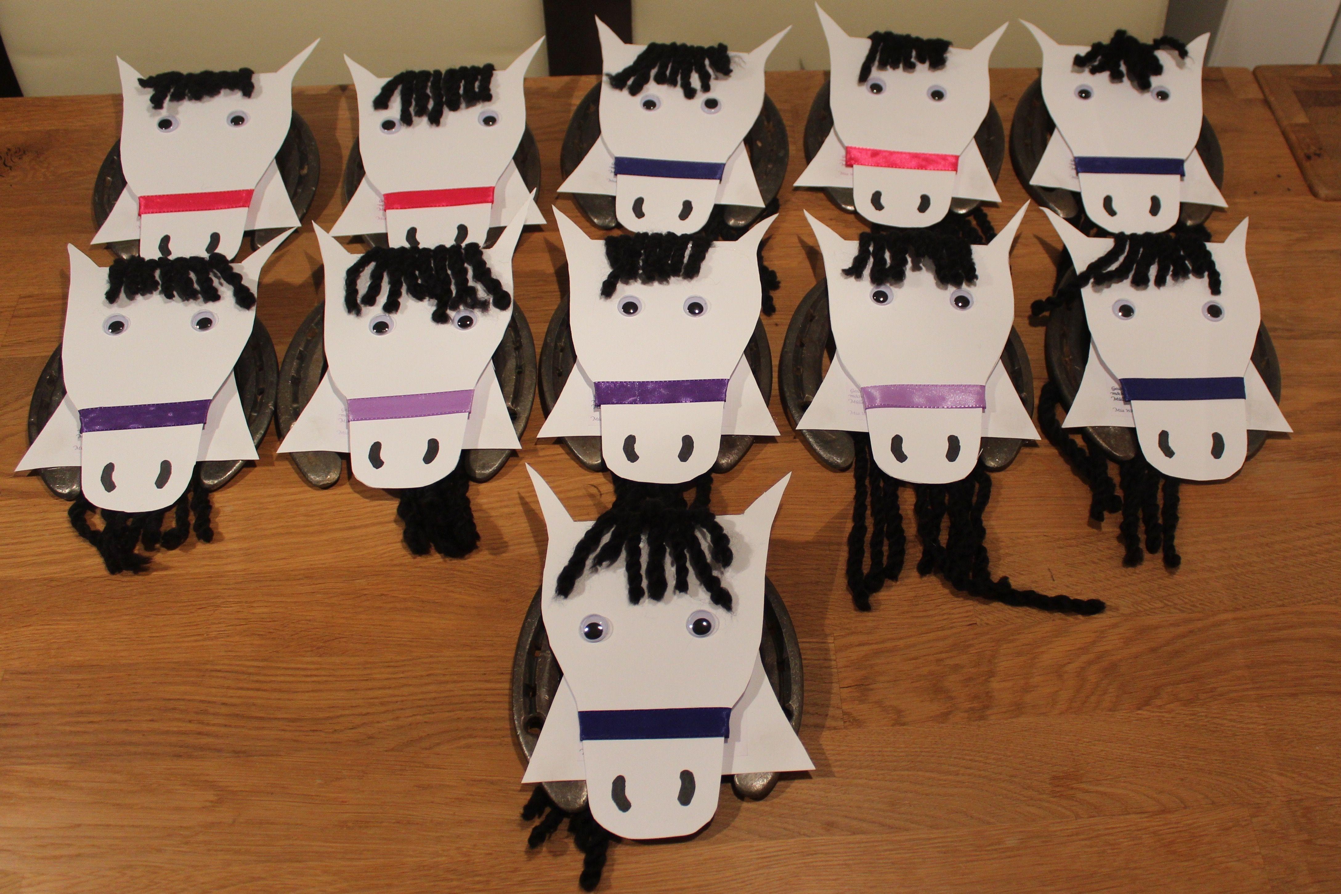 Unsere einladung zu mia 39 s pferdeparty wir haben echte for Hufeisen basteln