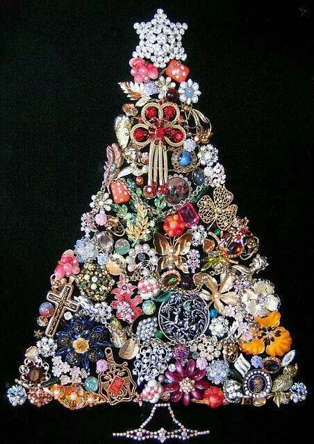 Tree Made Of Brooches Jewelry Christmas Tree Jeweled Christmas Trees Jeweled Christmas
