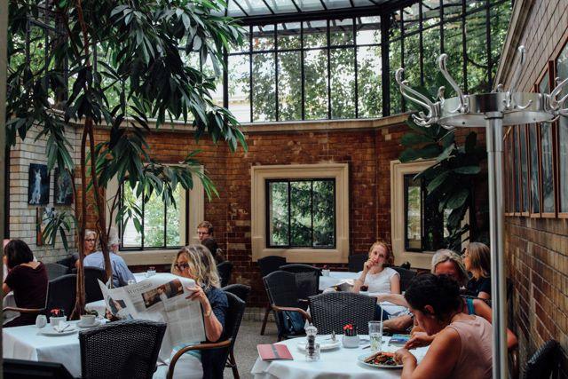 Photos: Alicia Kassebohm Ihr Habt Bereits Genug Sommer-event-und ... Wintergarten Design Mit Teestube Bilder
