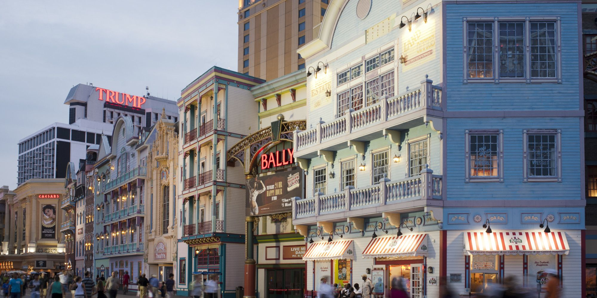 United Launches Flights In Popular Summer Town Atlantic City Boardwalk Boardwalk Atlantic City
