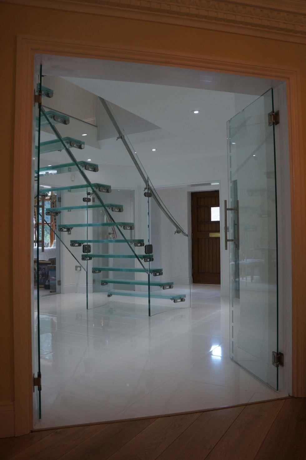 Best Full Glass Individual Glass Staircase 400 x 300