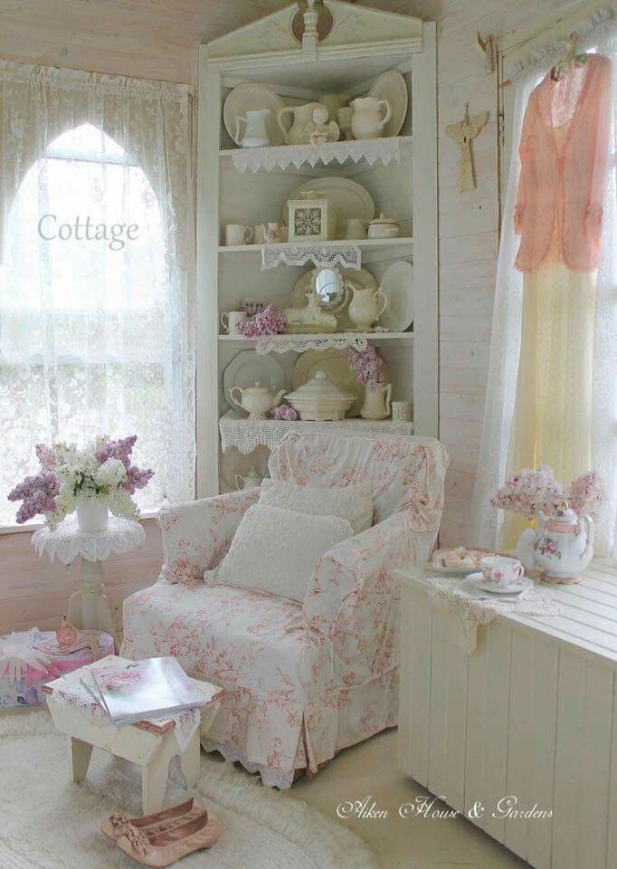 shabby slipcovers shabby chic junk chic cottage and. Black Bedroom Furniture Sets. Home Design Ideas