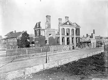 Archives of the University of Notre Dame :: RUINS OF THE PICKNEY MANSION, Charleston SC, 1865