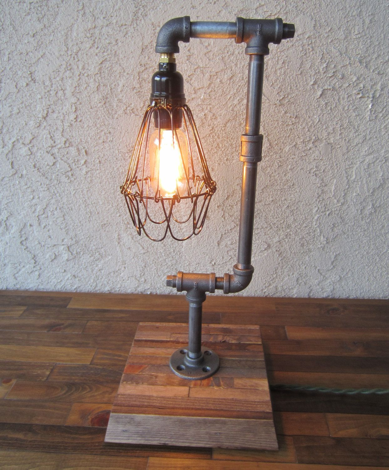 Awesome Edison Trouble Light Desk Lamp Vertical, Pipe, Reclaimed Wood Base   BULB  INCLUDED / Vintage Industrial Lamp / Steampunk Light / Table Lamp