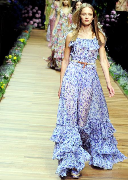 D floral maxi dress, and I still freaking want it! Saw a girl on ...