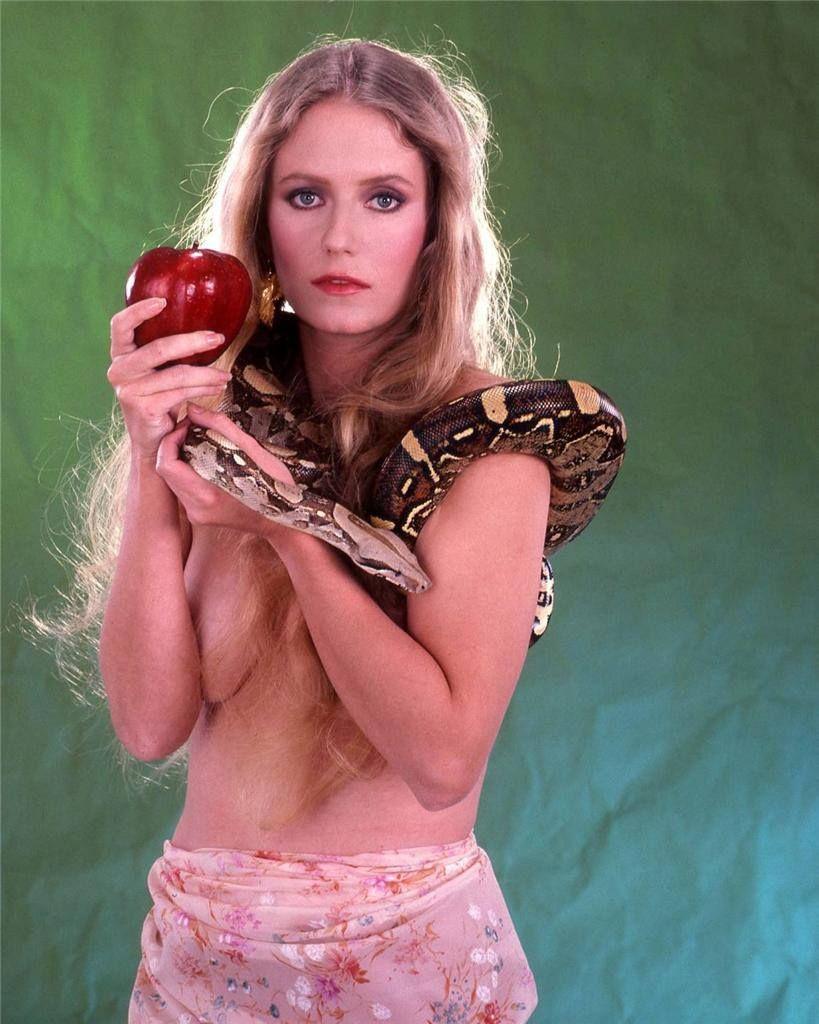 Eve nude plumb