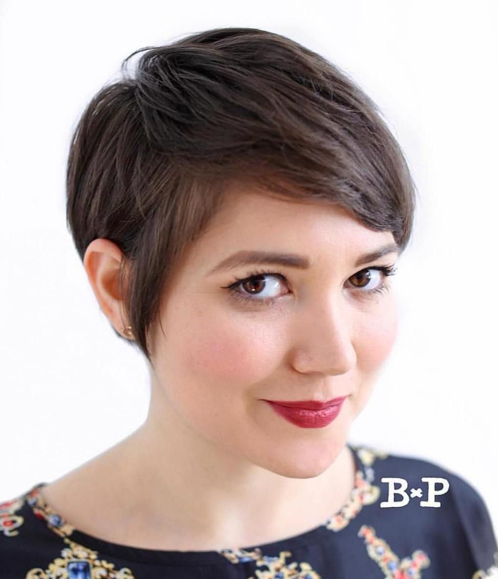 super cute looks with short hairstyles for round faces in