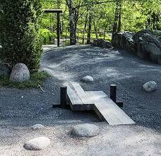 Kuvahaun tulos haulle pieni silta puutarhaan