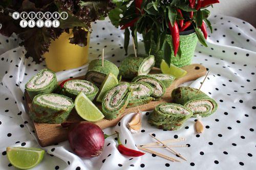 Przekąska z naleśników ze szpinaku posmarowanych kremem łososiowym http://przepisy.wkuchnikatie.pl/post/99551444660/przekaska-z-nalesnikow-ze-szpinaku-posmarowanych-kremem