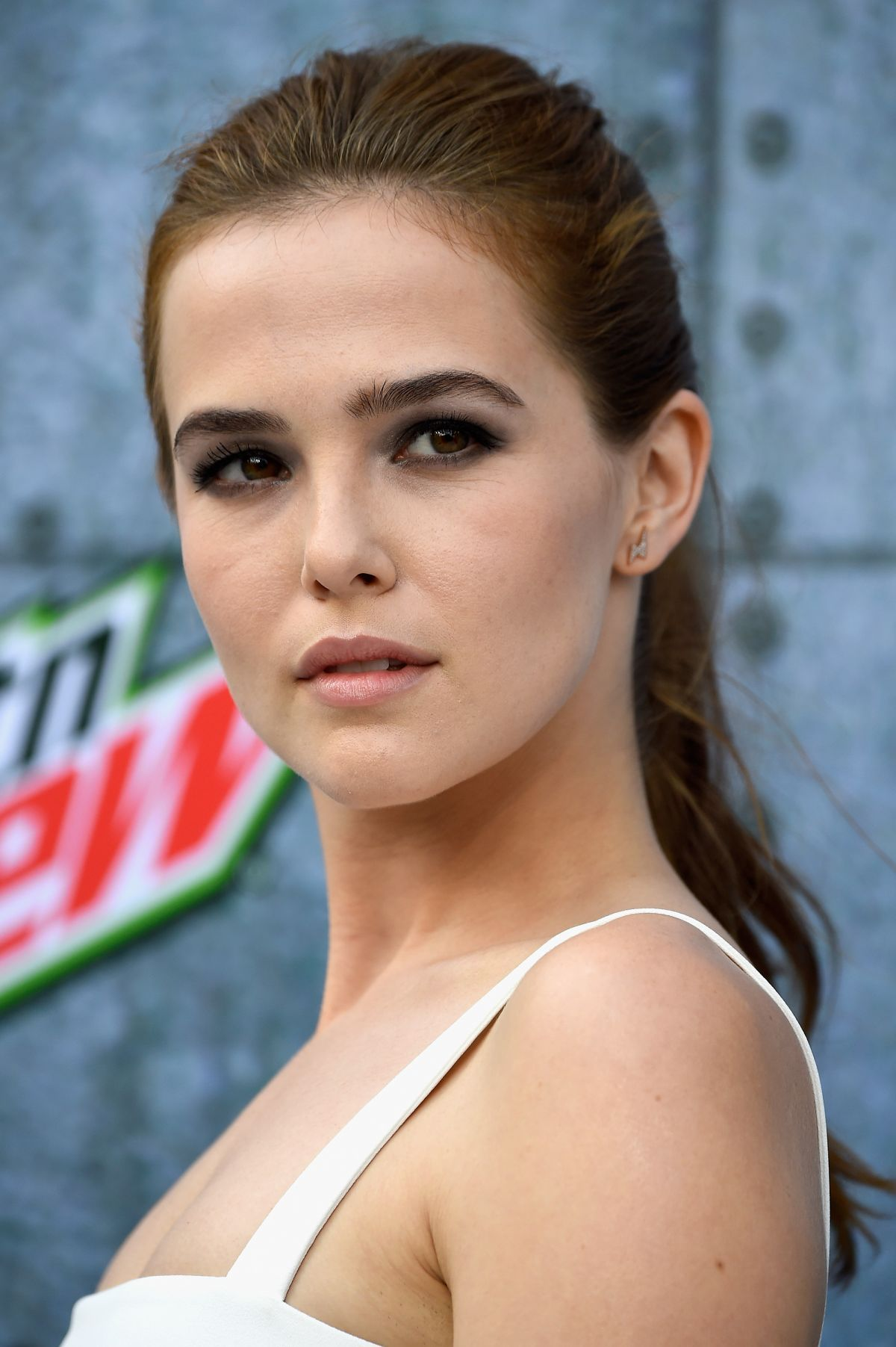 zoey deutch icons