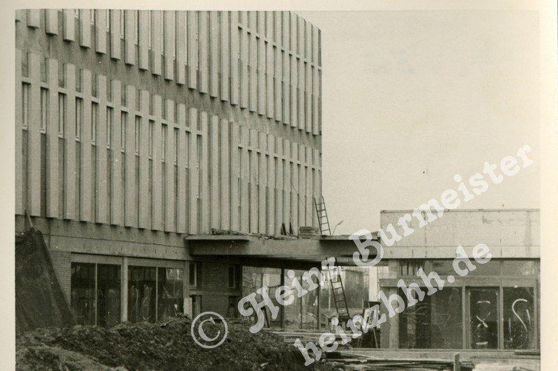 60er Jahre Bau Elbe Einkaufszentrum In Hamburg Osdorf 1965 Bis 1966 Hamburg Osdorf Hamburg Einkaufszentrum