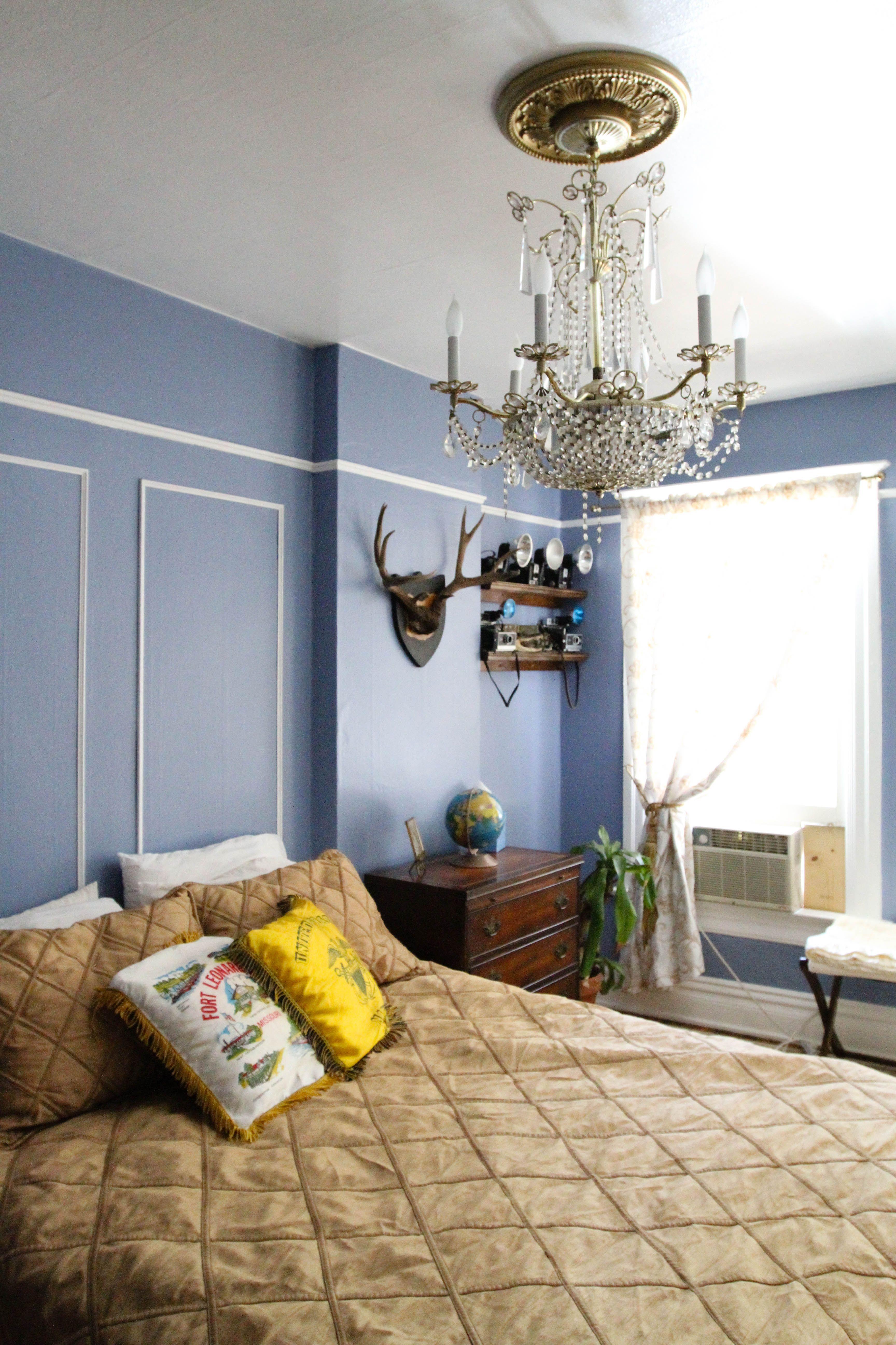 Joe's Victorian 'Owl House' Bedroom decor, Minimalist