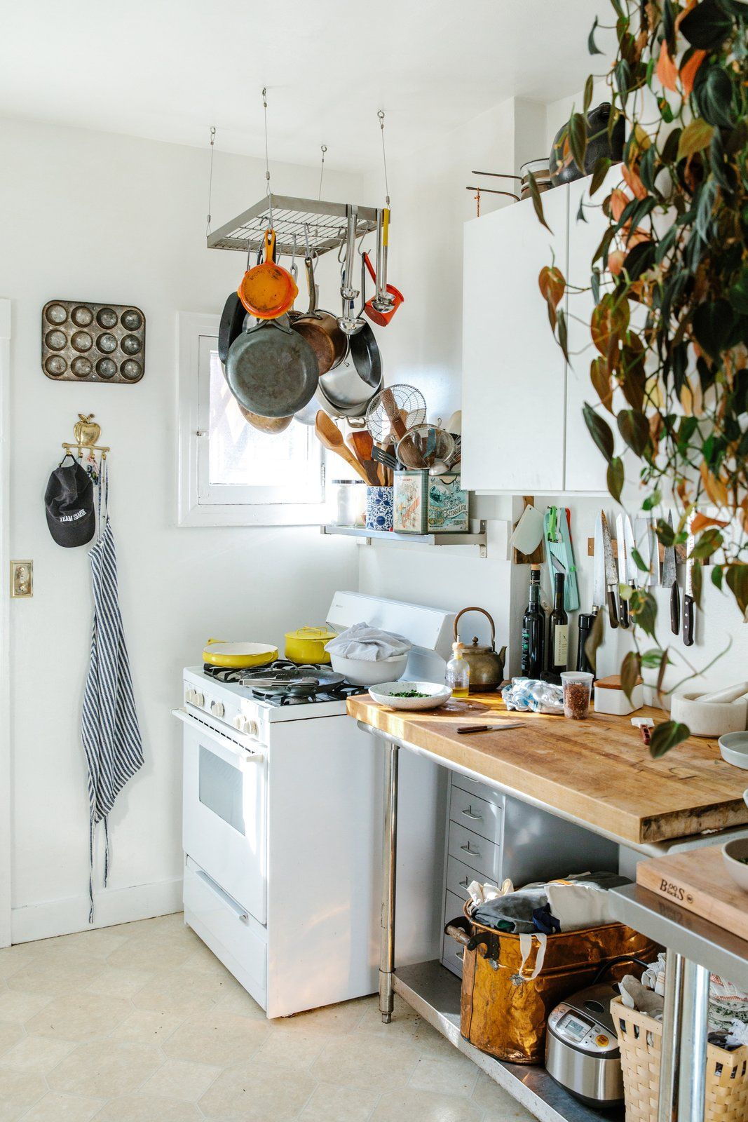 Best Selling Cookbook Author And Netflix Host Samin Nosrat Opens Her Doors Dwell Kitchen Kitchen Decor Wood Kitchen Counters