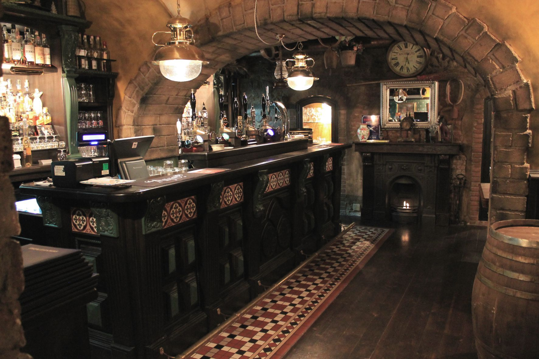Arredamento Birreria ~ 26 best arredi irish pub irlandesi camproject images on pinterest