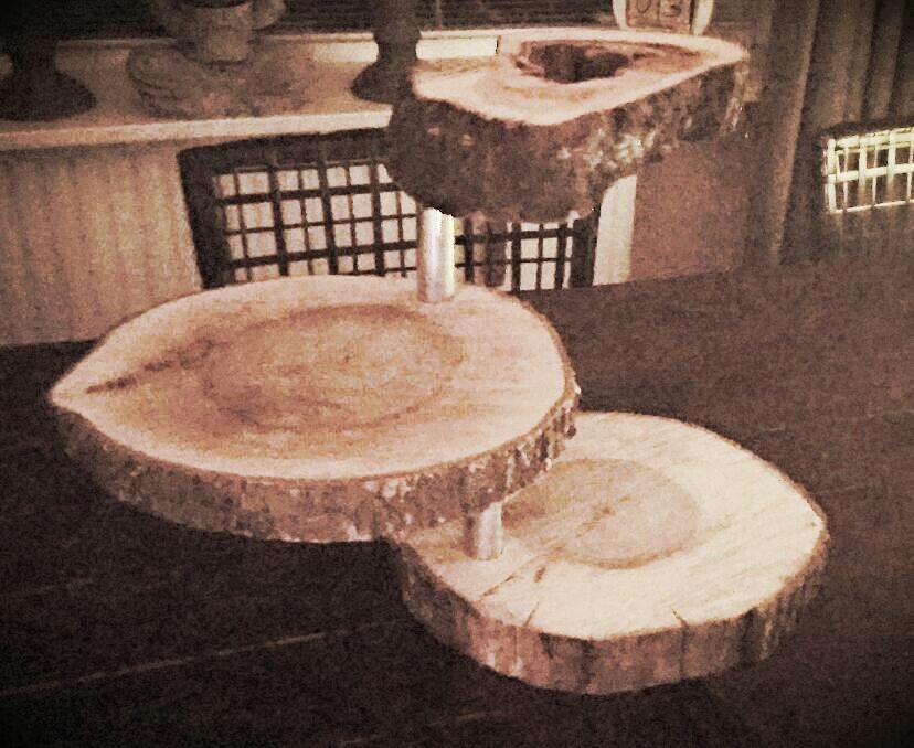 Etagere boomstam schijven hout en metaal made by hieke for Boomschijven decoratie