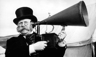 Man uses an ear trumpet | ANTIqUe HeaRing AiDes in 2019