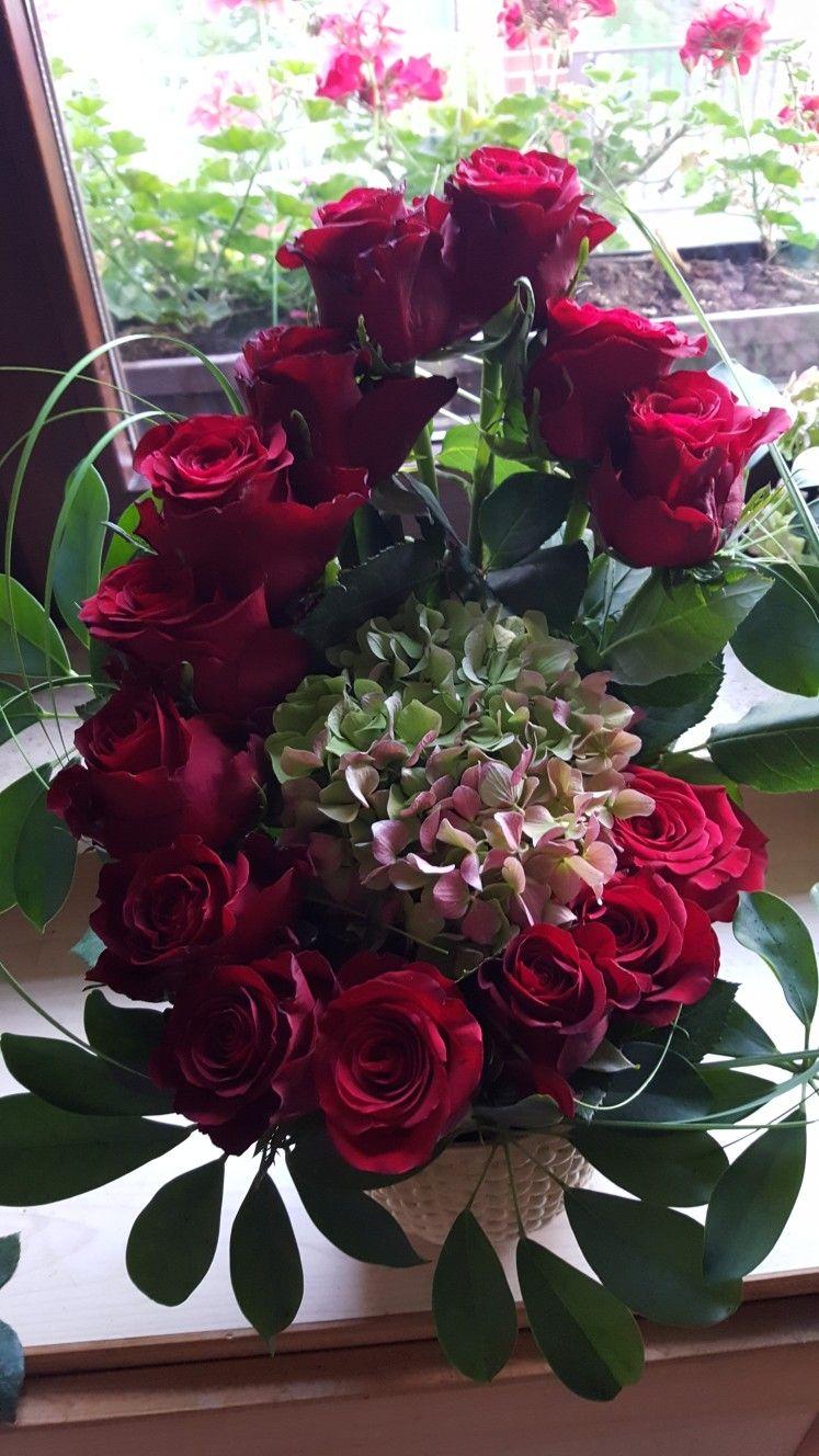 Herbstlicher rosenzauber adornosflorales flower arrangements herbstlicher rosenzauber rose arrangements beautiful flower arrangements flower designs floral centerpieces centrepieces izmirmasajfo