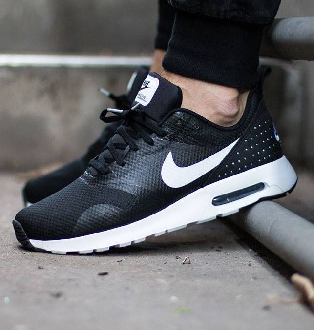 Nike Air Max Tavas: Black | Nike schuhe, Nike air max frauen