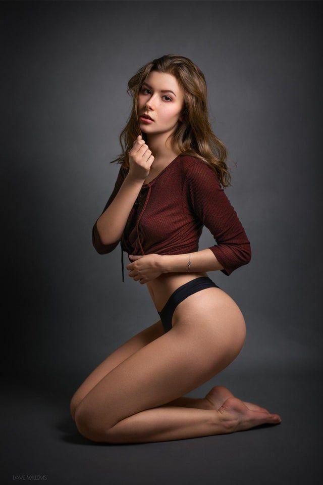 A Full Body Portrait of Dominika [Canon EOS 6D 85mm] - portraits