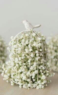 Baby Breath Birdcage Only Downfall With Baby Breath It Tends To Have A Urine Like Smell Spring Wedding Centerpieces Wedding Centerpieces Wedding Flowers