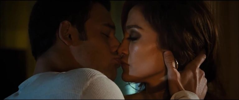 These 30 Movie Kisses Are So Hot They Ll Make You Sweat Movie Kisses The Boy Next Door Movies