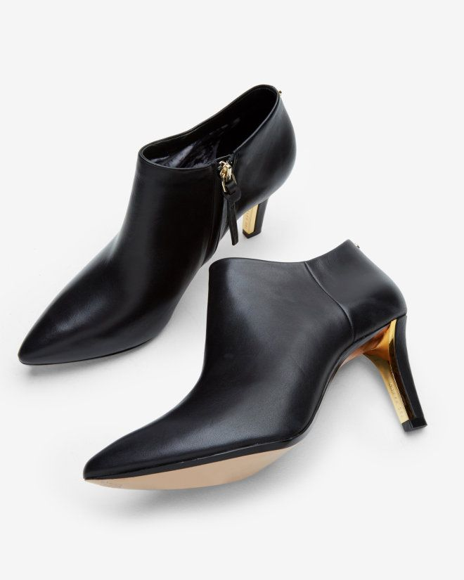 709ccb3792cff Pointed leather ankle boots - Black
