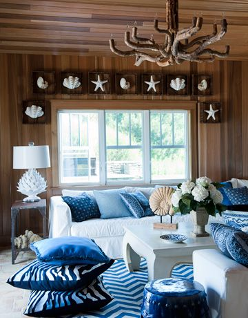 Cedar Plank Walls More Shells A Driftwood Chandelier And Lots Of Blue Give The Pool House Both Woodsy Beachy Chic