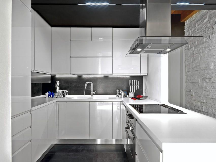 25 u shaped kitchen designs pictures kitchen design for U shaped kitchen designs for small kitchens