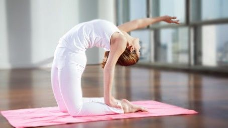 women's fitness tips and tricks  energizing yoga poses