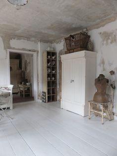 Weiße Antike Möbel wohnzimmer im shabbychic einrichten alte weisse möbel antike möbel