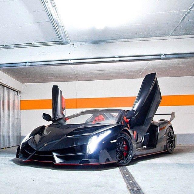 Lamborghini Veneno Roadster: Lamborghini Veneno Roadster