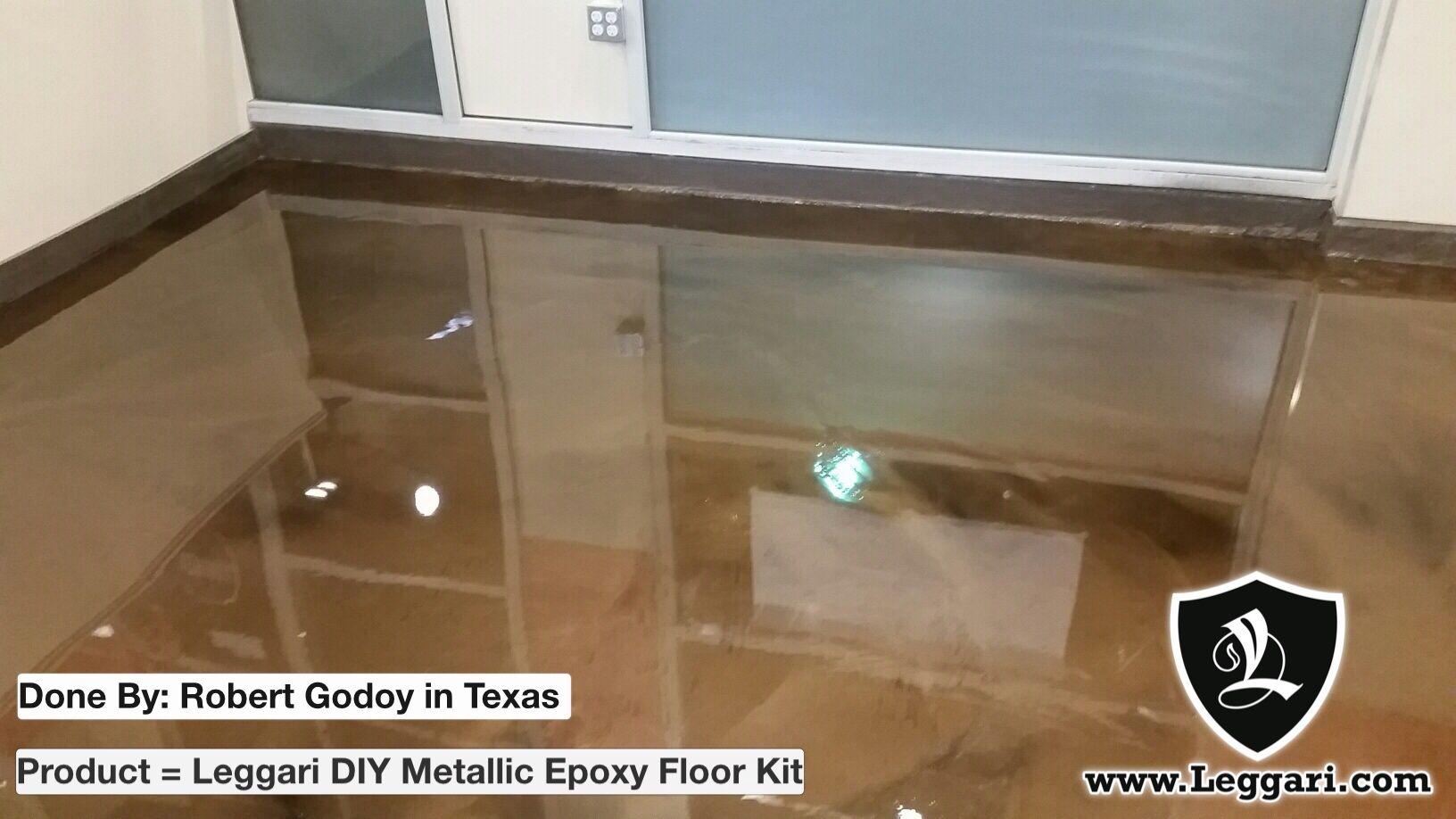 This epoxy floor looks great. Nice job Robert! DIY