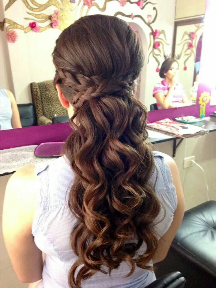Medio recogido con trenza Projects to Try Pinterest Hair style