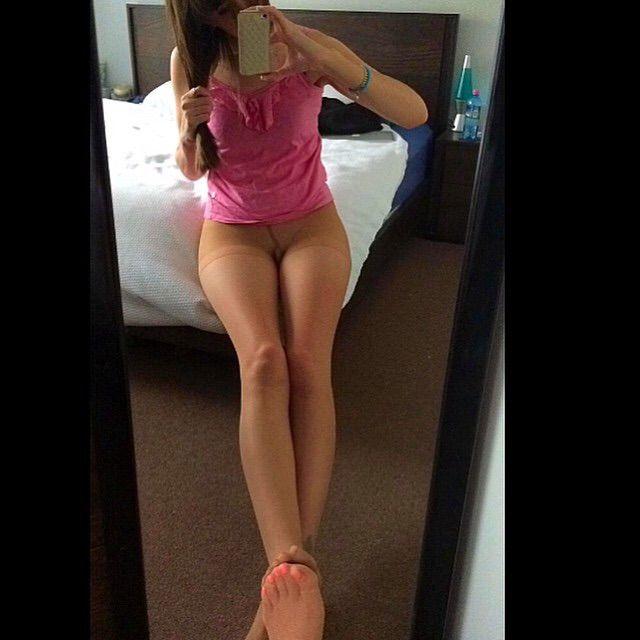 nylon selfie